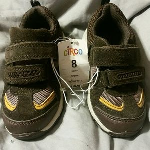 NWT Circo Toddler sz  sneakers