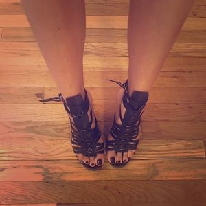Yves Saint Laurent gladiator wedges size 35