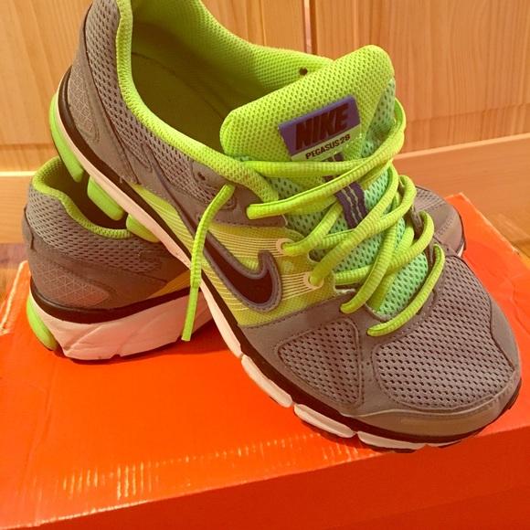951cb264f601 ... Nike Air Pegasus 28 + gray green. M 59fdeeb87fab3a1af2088631