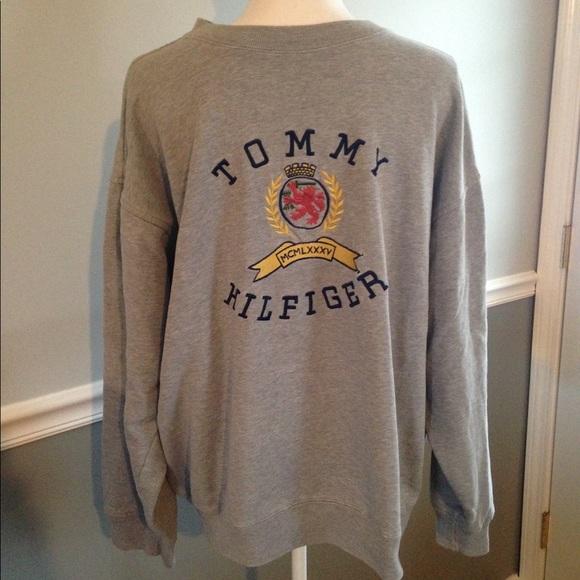 Vintage Tommy Hilfiger Sweatshirt Lion Crest Large