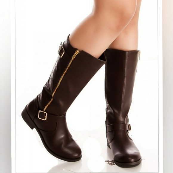 forever Shoes - Last 7 BROWN FAUX LEATHER  shorts BOOTS