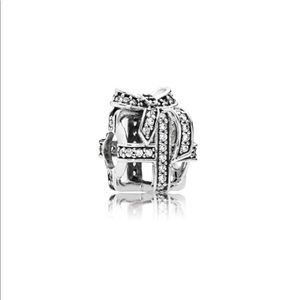 New Pandora All Wrapped Up Charm