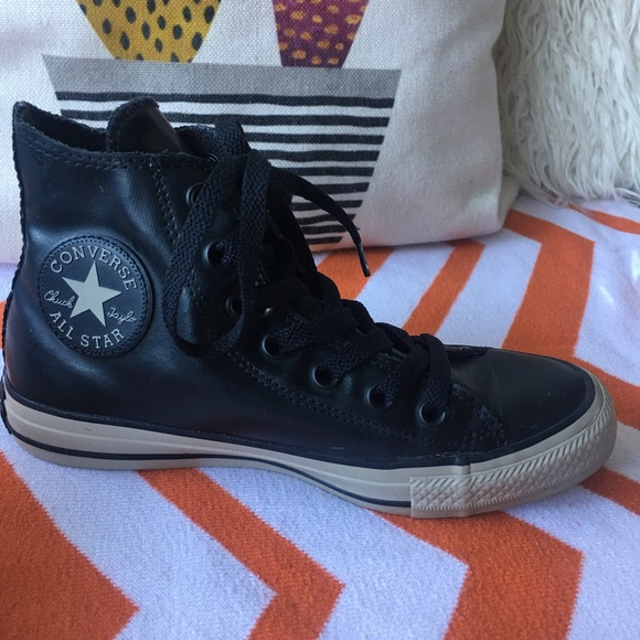 2converse all star rubber