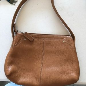Bandolino leather purse