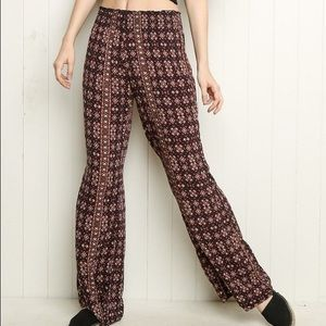 Brandy Melville Alexah Pants