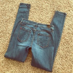 BDG. URBAN OUTFITTERS JEANS SZ 28 CIGARETTE