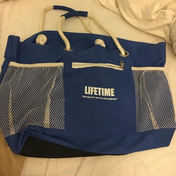 lifetime fitness Handbags - Lifetime Fitness gym bag 829964c05be05