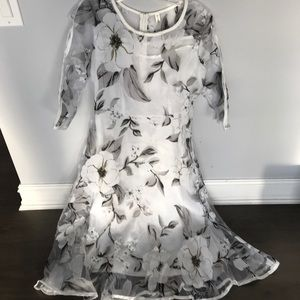 Dresses & Skirts - Women's floral dress