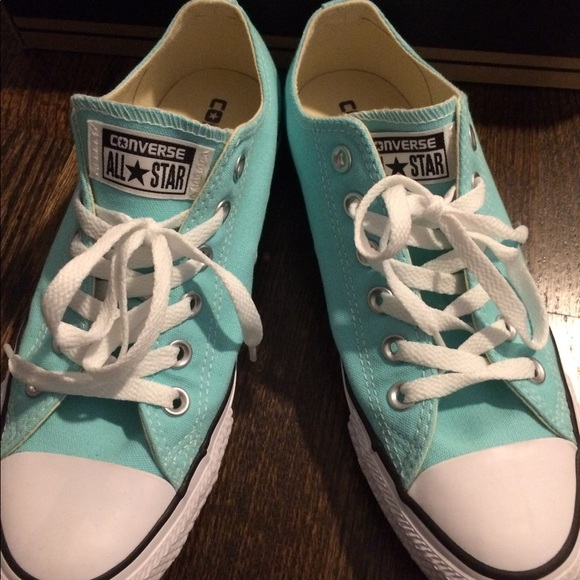 a9801d514634 Converse Women s 8 Aruba Blue- New in box!