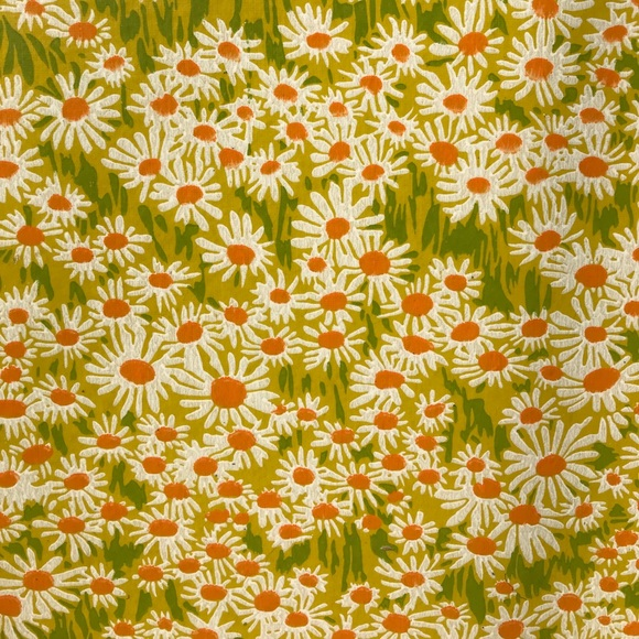 Vintage 60s Daisy Wallpaper