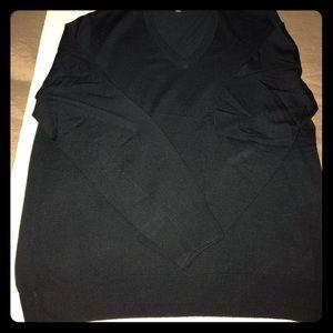 Brooks Brothers Merino Wool vneck sweater
