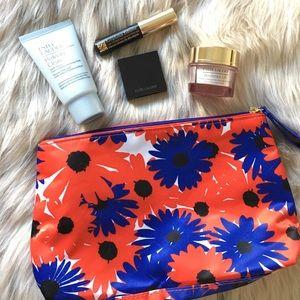 🆕 Estée Lauder Makeup Set + Bag