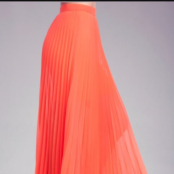 186ec565d bebe Dresses & Skirts - XXS Bebe Pleated Maxi Skirt in Coral