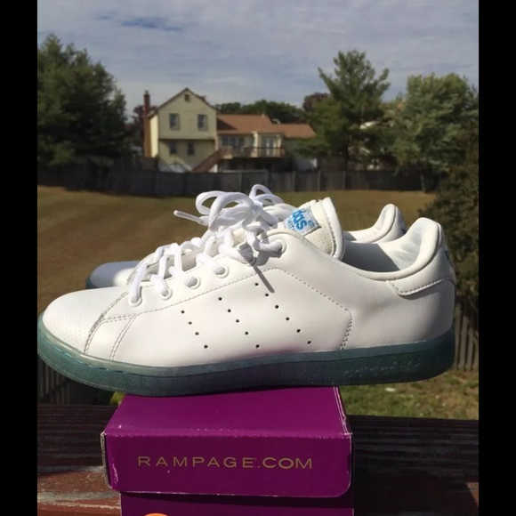 wholesale dealer 68cf3 2275e Adidas Stan Smith ice blue sole size 6 from 07