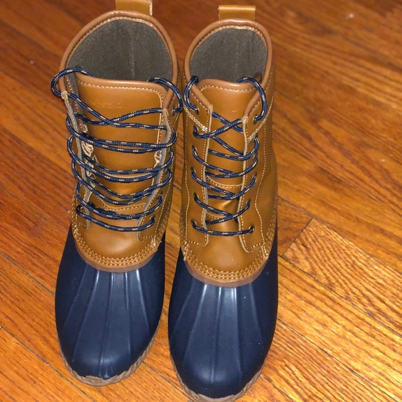 5fdf0b7984027 Brand New Lands' End Women's Duck Boots