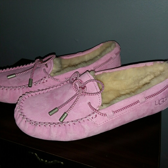 80dba6347da Women's Pink UGG House Shoes Size 8
