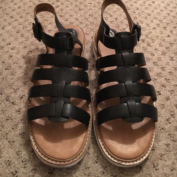 283b947c046 Clarks Shoes - Clarks Lydie Kona sandal