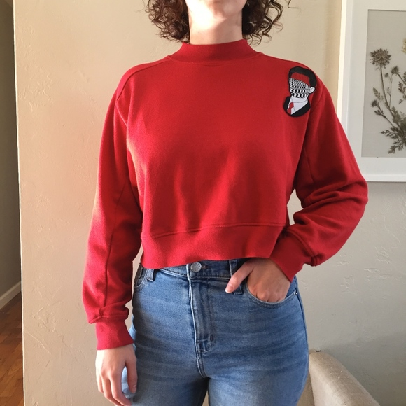e3751bbbf174 Forever 21 Sweaters | Crop Top Sweater With Twin Peaks Patch | Poshmark