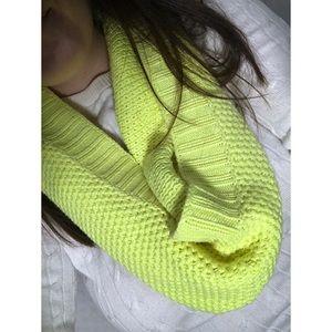 Victoria's Secret • Yellow Knit Infinity Scarf
