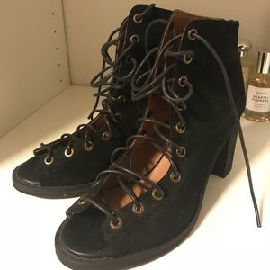 Jeffrey Campbell Cors booties Size 8