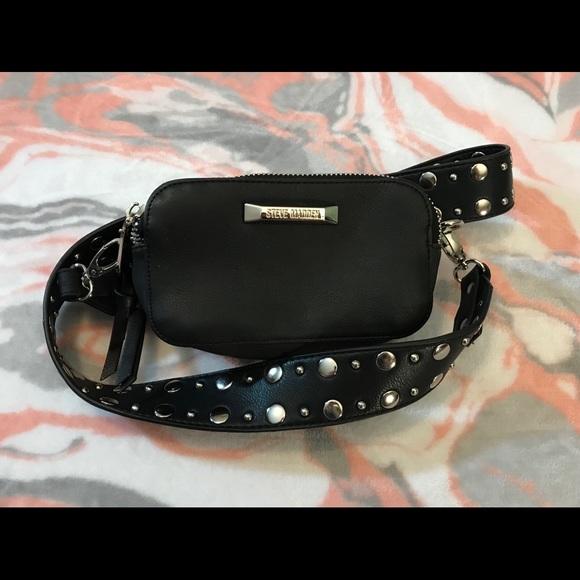 6b1f5b849b20 Steve Madden Mini Camera Crossbody Bag Black. M 59fe810f6d64bcba1e0b8785