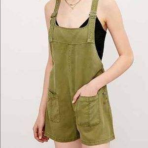 076a6d9f431 Urban Outfitters Pants - Urban Outfitters BDG Nicki Overall Romper - Green
