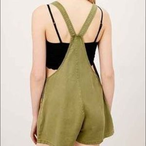 bf2682cac77 Urban Outfitters Pants - Urban Outfitters BDG Nicki Overall Romper - Green