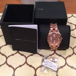 "NWT ""MARC JACOBS"" CHRONOGRAPH/DATE WATCH"