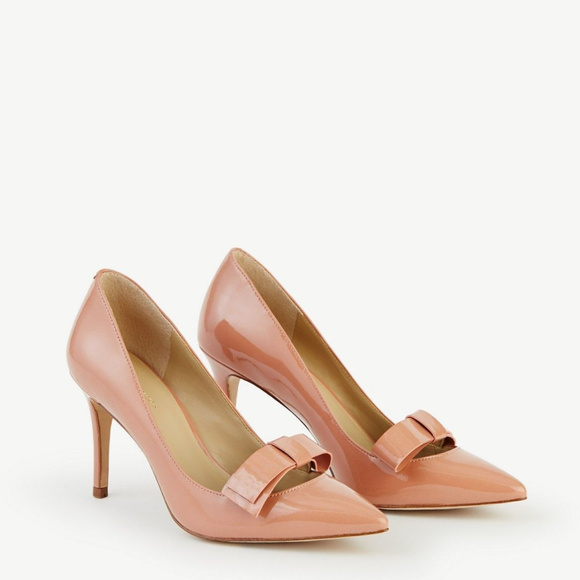 896315eb5b92 Ann Taylor Shoes - ANN TAYLOR Odette Patent Bow Pumps Nude Heels 6.5