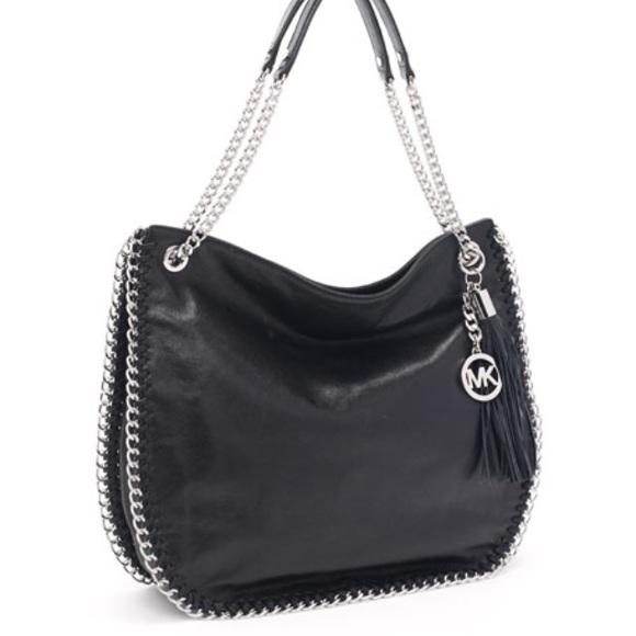 10be2a2d0814 ... Michael Kors Chelsea Black Bag. M_59feace1b4188ecaaf0bfb88