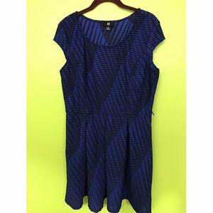 iZ Byer Short Sleeve Blue Black Knit Dress Sz XL