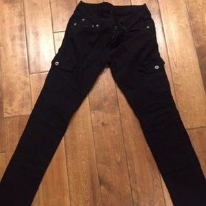 Black Cotton Skinny Leg Low Rise Button Close Jean