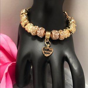 Jewelry - 🌟Beautiful Rhinestone & Gold Charm bracelet🌟