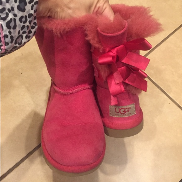 pink ugg boots with bows on back