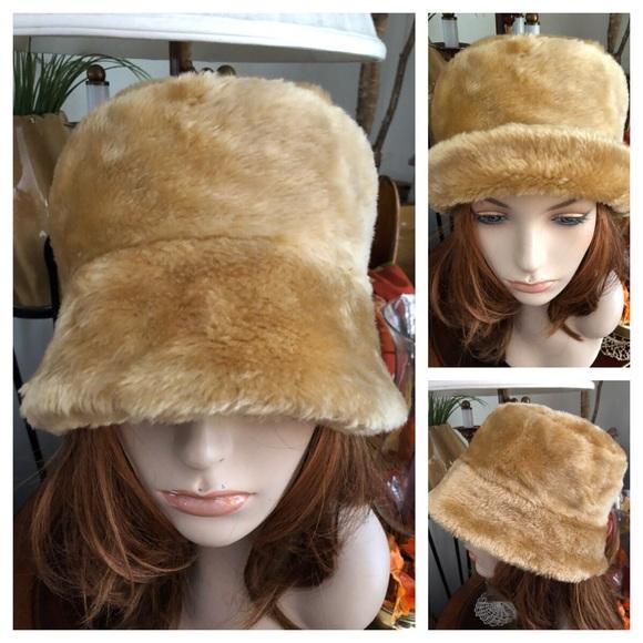 1eaa8f6d063 Vintage Faux Fur Bucket Hat. M 59ff1aacf09282b5280cbe9b