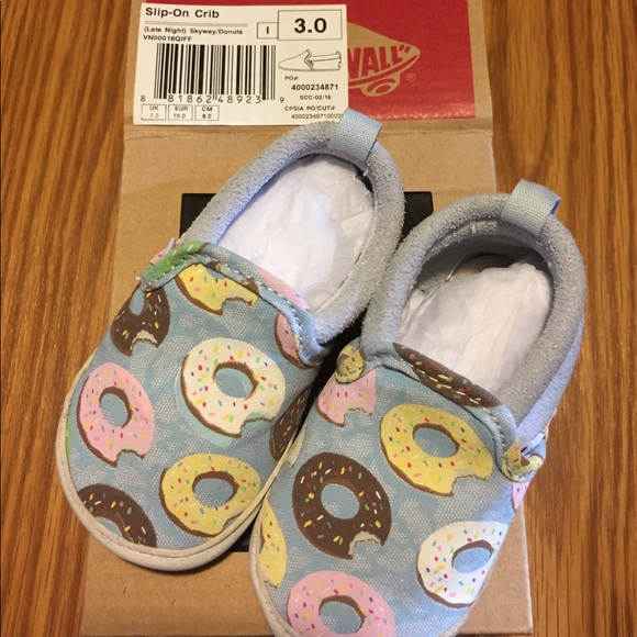 3578387073f4e3 Vans Baby Donut 🍩. M 59ff24c7bf6df5ae6b0ce029