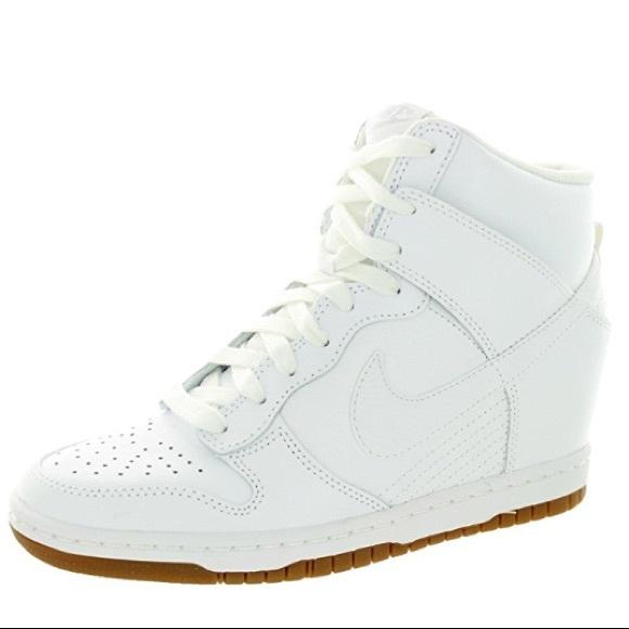 Nike Women s Dunk Sky Hi Casual Wedge Sneaker. M 59ff2b6298182934300cf684 44e0fc656ba3
