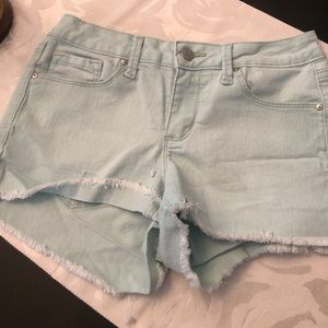 Adorable Jessica Simpson colored shorts!