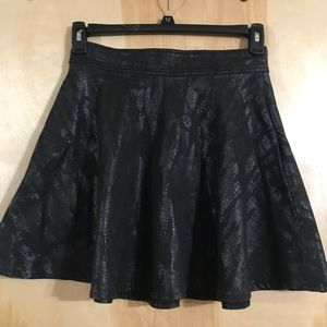 Leather skirt with pockets!