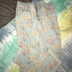BDG Floral Mom Jeans.. NWOT