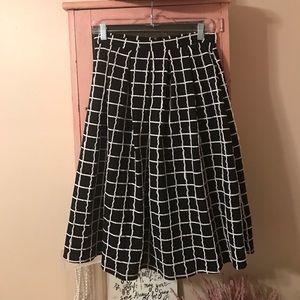 Dresses & Skirts - Black & white windowpane midi skirt