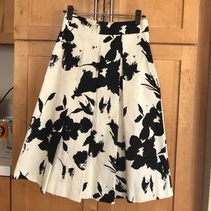 Zara printed skirt **NWT**