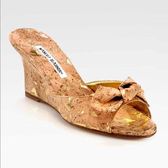 76d00762b47c7 Manolo Blahnik Liss Cork Bow Wedge Sandals. M_59ff405241b4e00b520d75f1