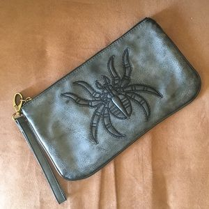 Kitschy Spider 🕷 Clutch Bag  Urban Outfitters