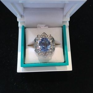 Jewelry - Blue-stoned ring
