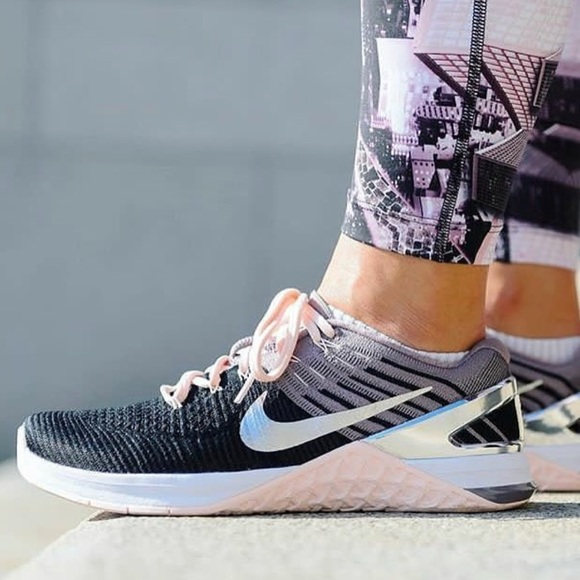 65d99bdf66cf NWT Nike Metcon dsx Flyknit bionic black pink