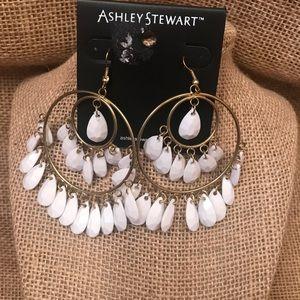 ✔️NWOT Ashley Stewart Hoop Danglin White Earrings