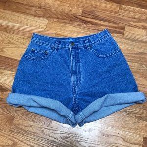 Vintage Highwaisted Shorts