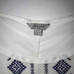 Lorimer NYC Tops - Beautiful Cold Shoulder Boho White Top Size S/P