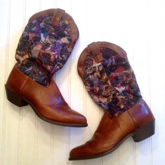 75f67f4ad50 Vintage western brocade and leather cowboy boots